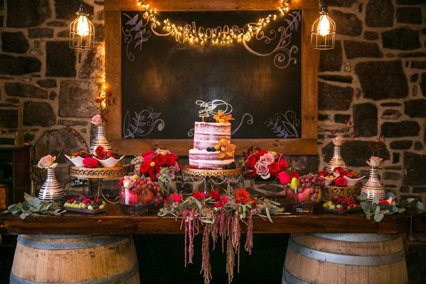 Rustic-wedding-cake-table-decor.jpg