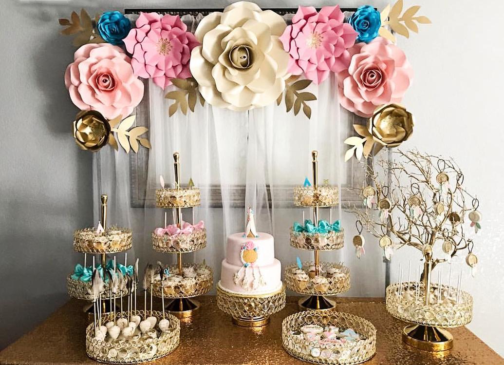 opulent-treasures-bling-dessert-stands.jpg