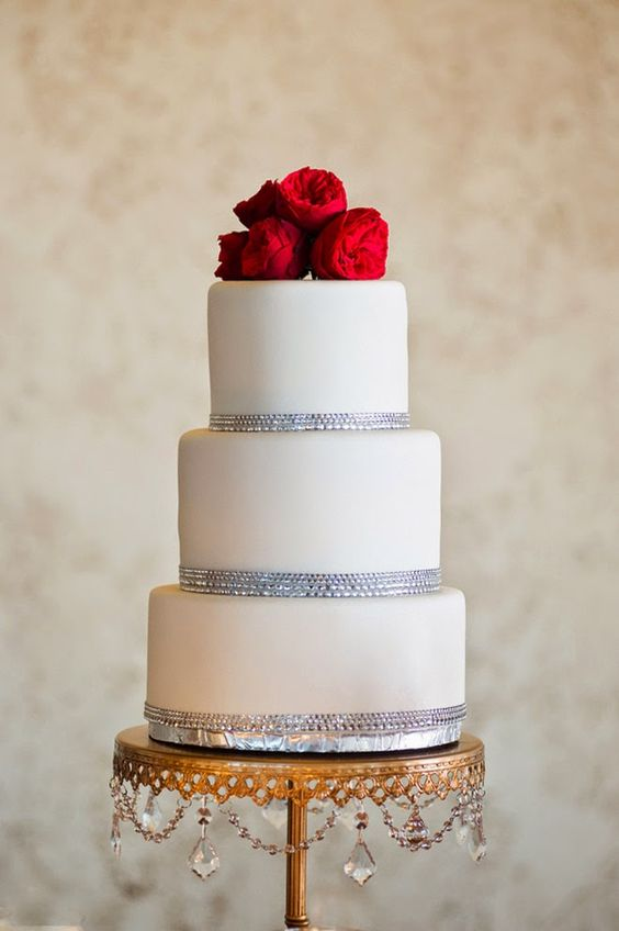 bling-trimmed-tiered-cake-gold-chandelier-cake-stand.jpg