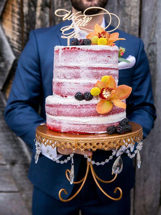 naked redvelvet_gold-loopy-cake-stand.jpg