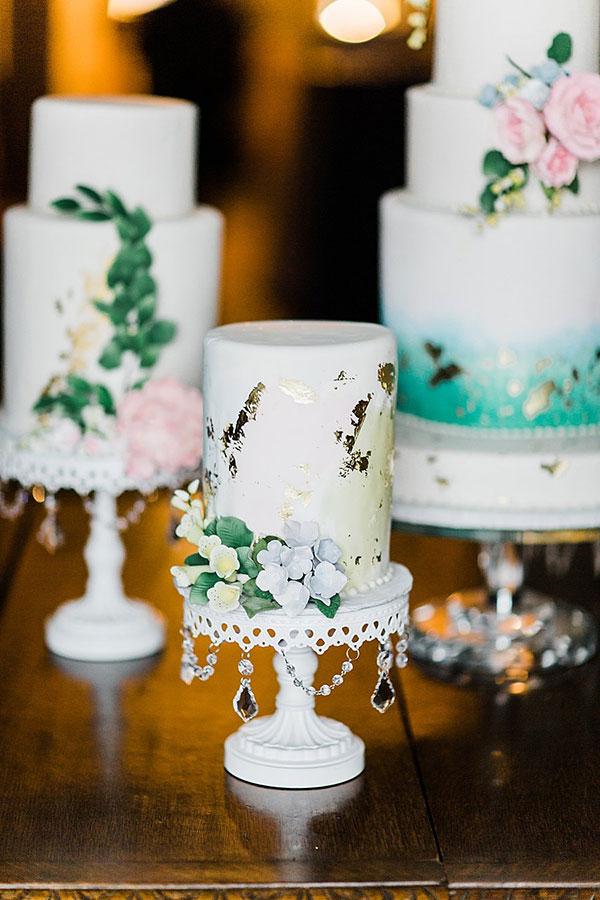 white-chandelier-cake-stand-nola-nikkibardwell-03.jpg