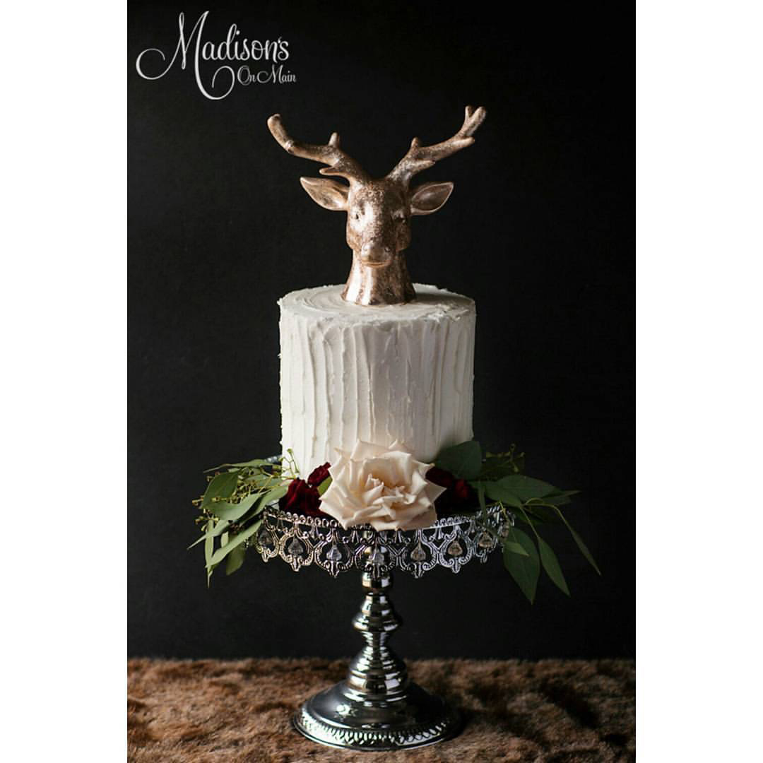 Shiny Silver Crown Cake Stand  / Cake: Madisons on Main Cakes  / Photo:  Kevin Paul Photo