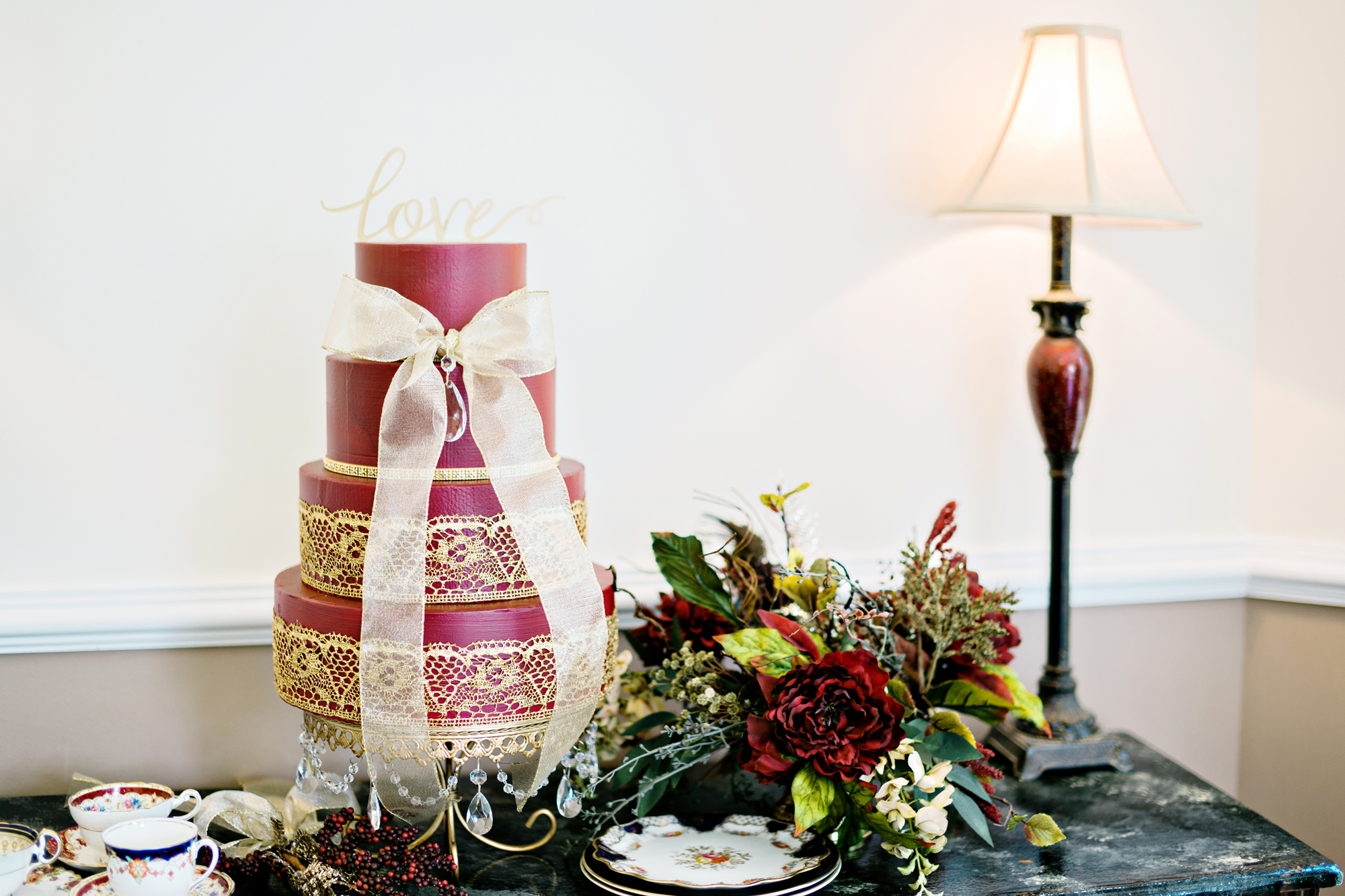 Opulent Treasures Cake Stands Andie Freeman Photo Holiday Wedding01.jpg