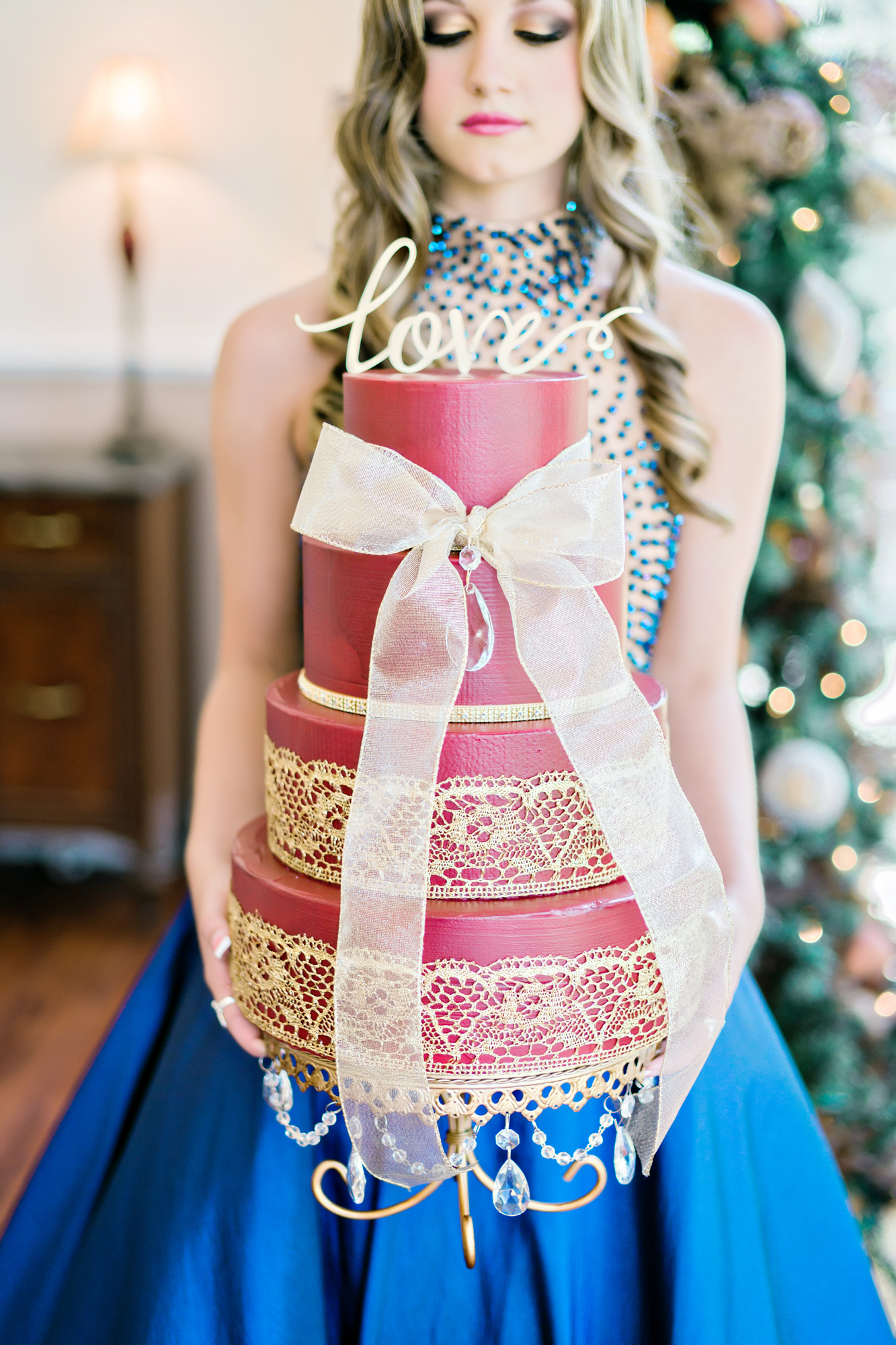 Opulent Treasures Cake Stands Andie Freeman Photo Holiday Wedding03.jpg