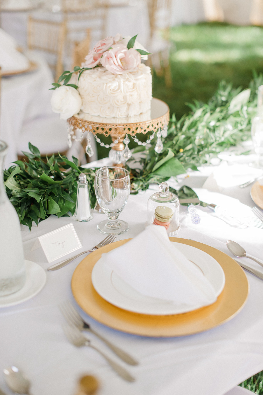 opulent treasures gold chandelier ball base cake stand-jeff sampson photo.jpg