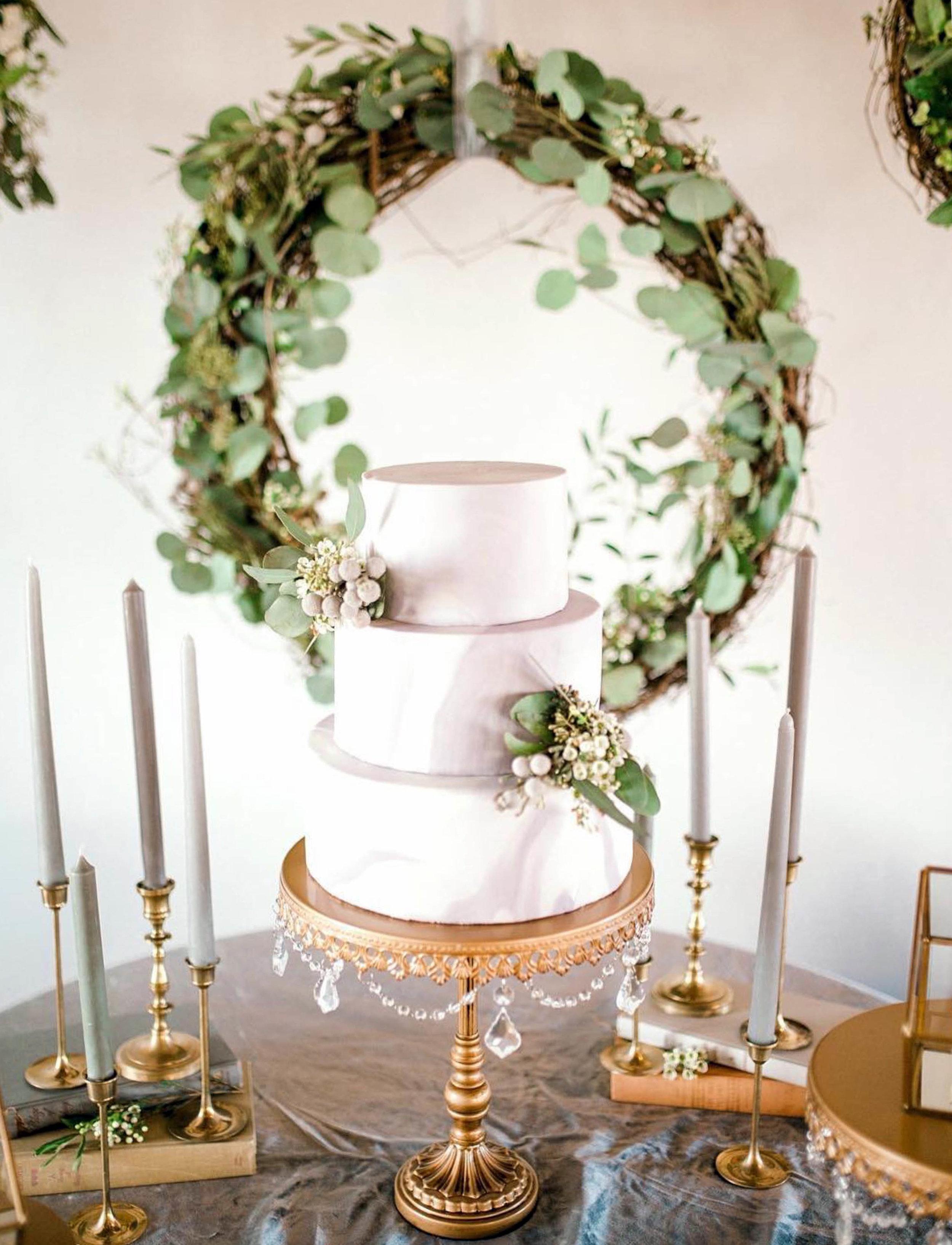 Opulent Treasures-1 Chandelier Cake Stand Antique Gold.jpg