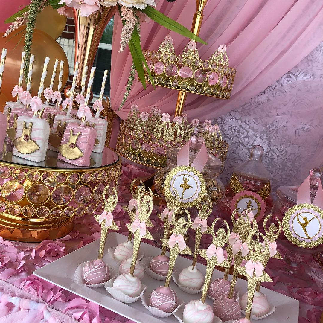 Opulent Treasures bling dessert stands09.jpg
