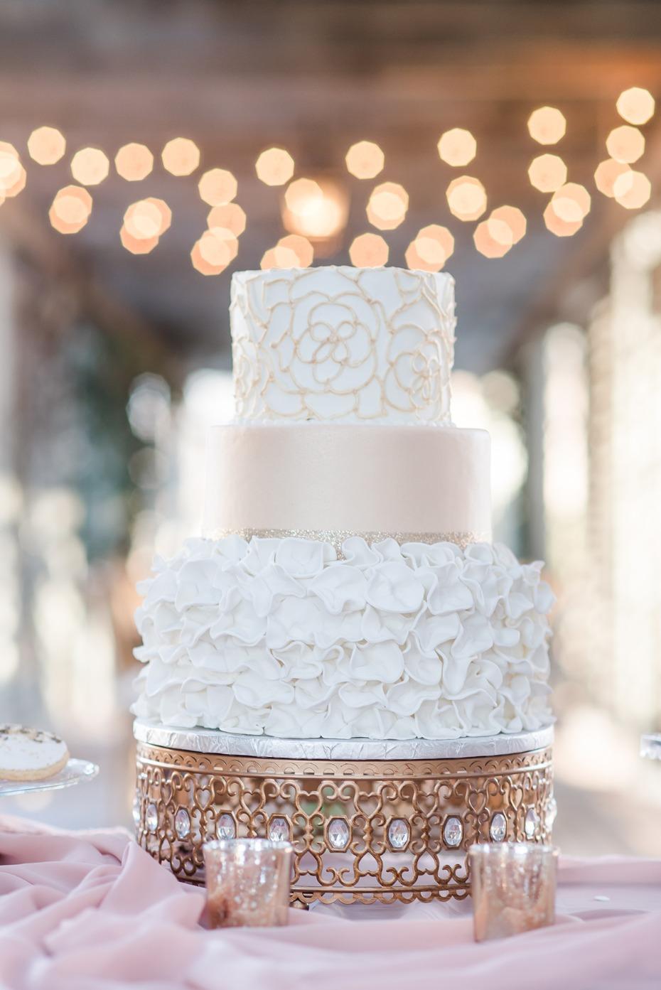 moroccan-jeweled-cake-stand_apinkromanticweddingshoot61.jpg