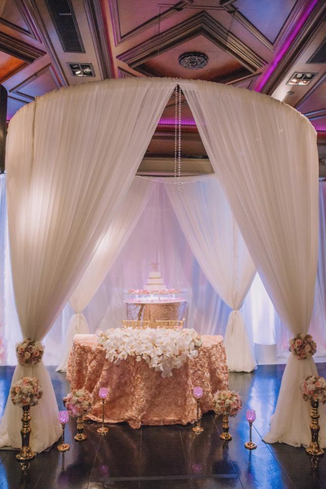 blush-and-gold-wedding-sweetheart-table.jpg