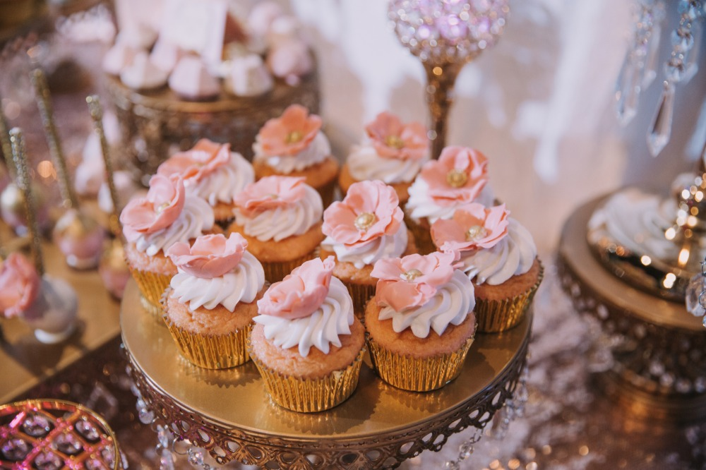 blush-and-gold-wedding-sweets.jpg