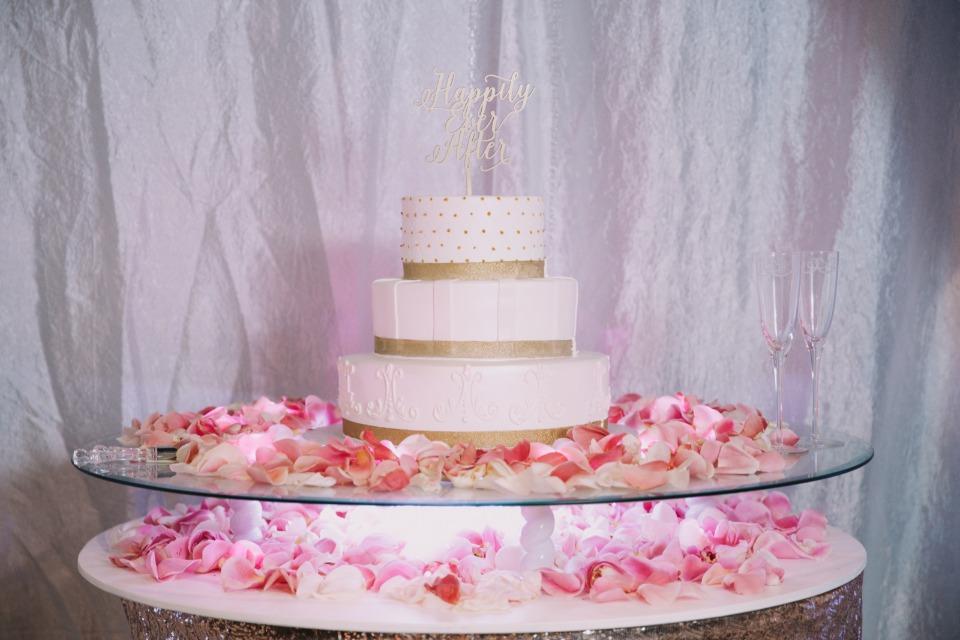 blush-and-gold-wedding-8.jpg