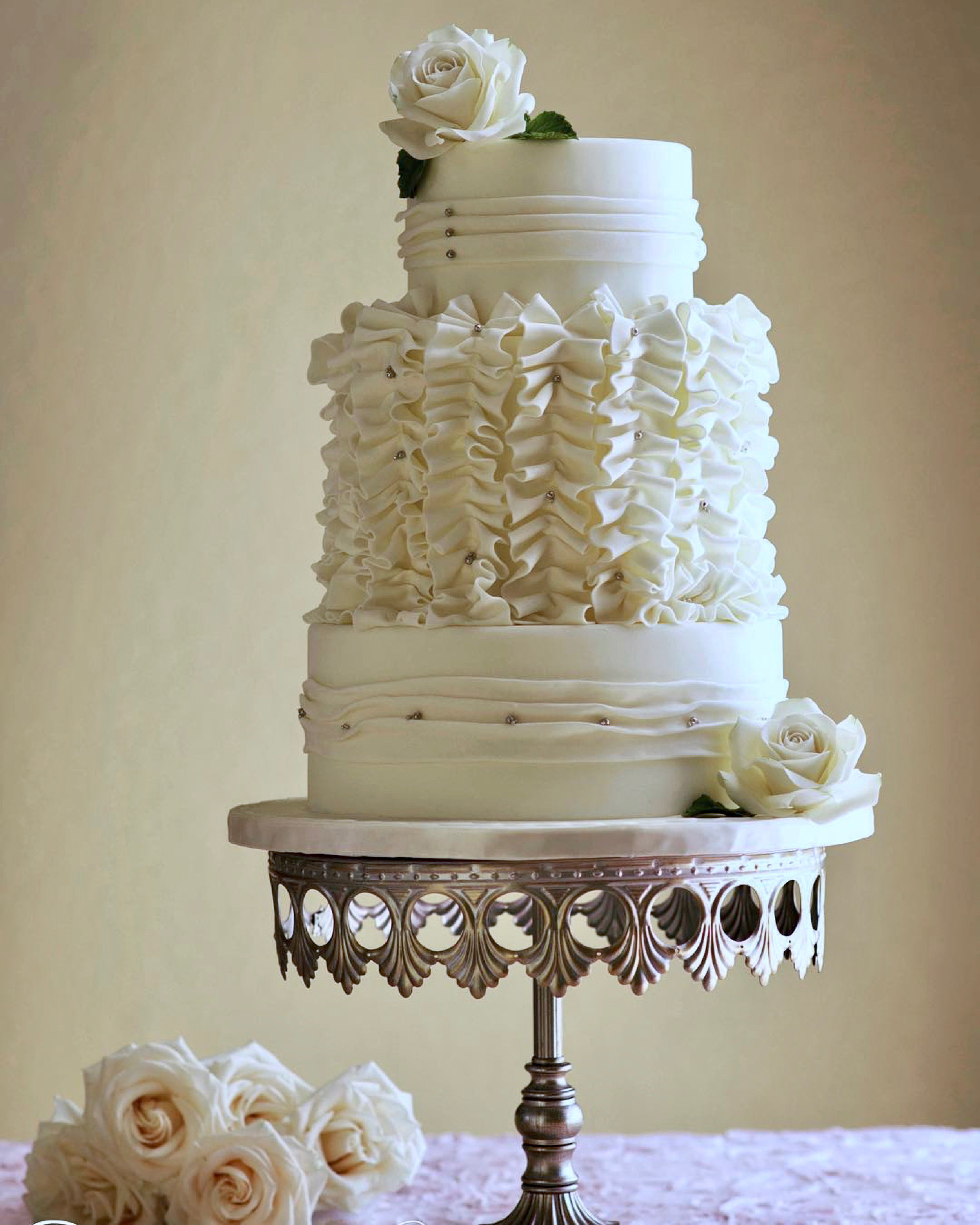 antique-silver-crown-cake-stand-opulent-treasures-wedding-cake.jpg