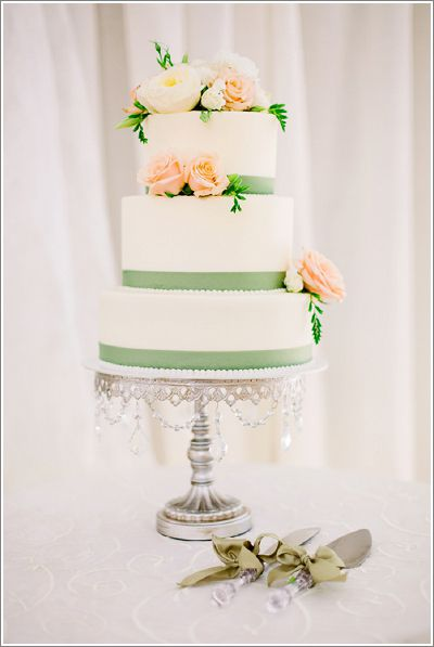 antique-silver-chandelier-cake-stand.jpg