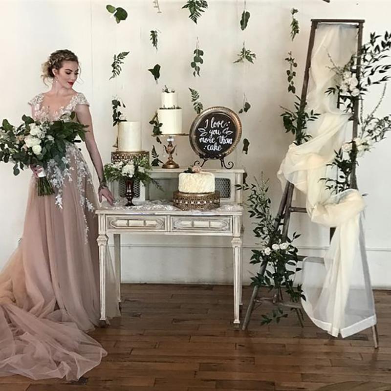 vintage glam weddingcake stands.jpg