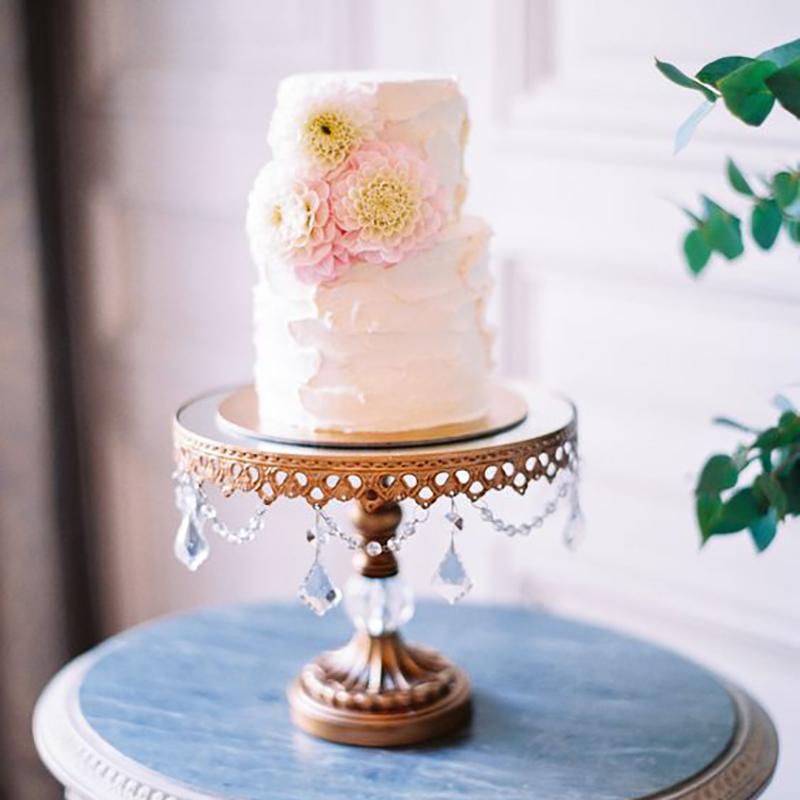 pretty wedding cake antique gold chandelier cake stand.jpg