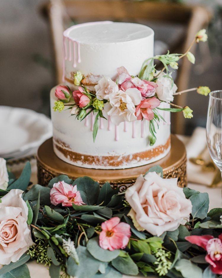 opulent treasures cake dessert stands02.jpg
