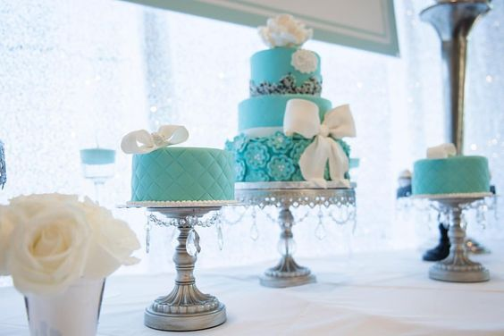something blue wedding cakes opulent treasures cake stands02.jpg