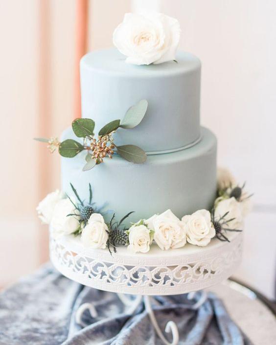 something blue wedding cakes opulent treasures cake stands19.jpg