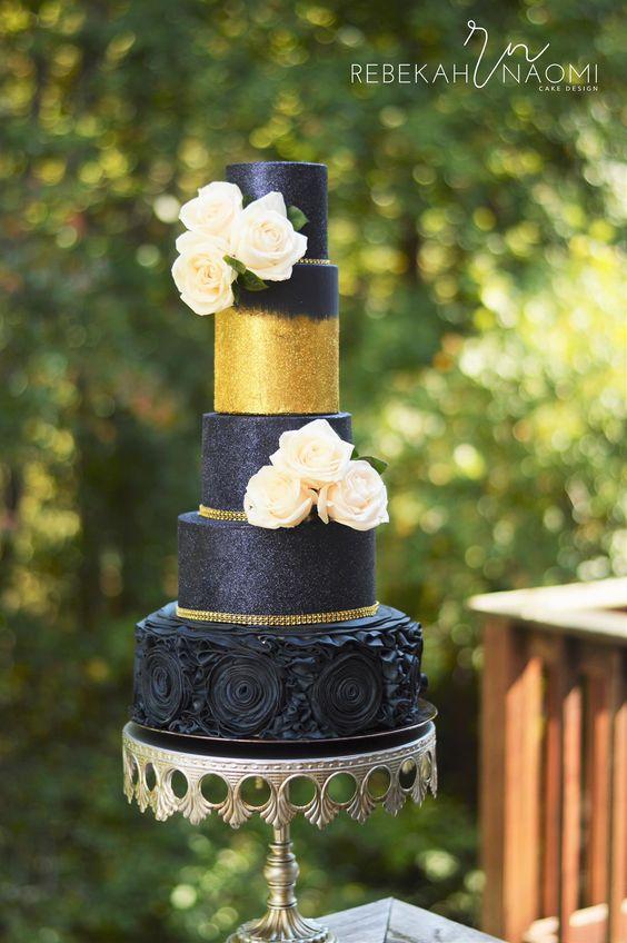 something blue wedding cakes opulent treasures cake stands20.jpg