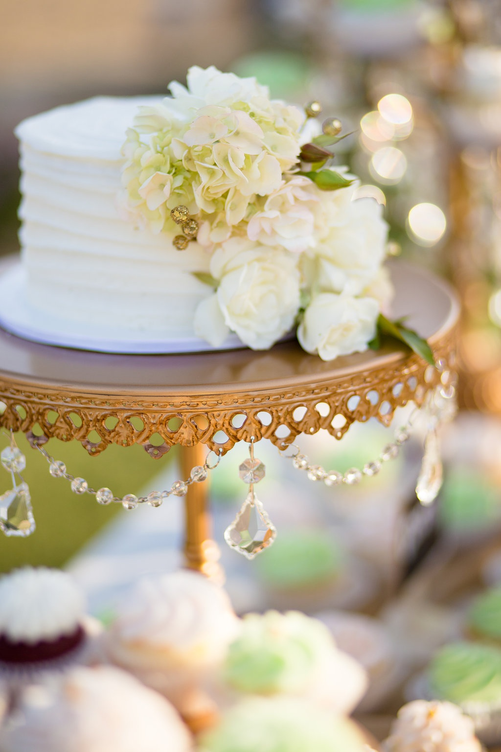 antique gold chandelier cake stand by opulnet treasures wedding cake by frostitcakery .jpg