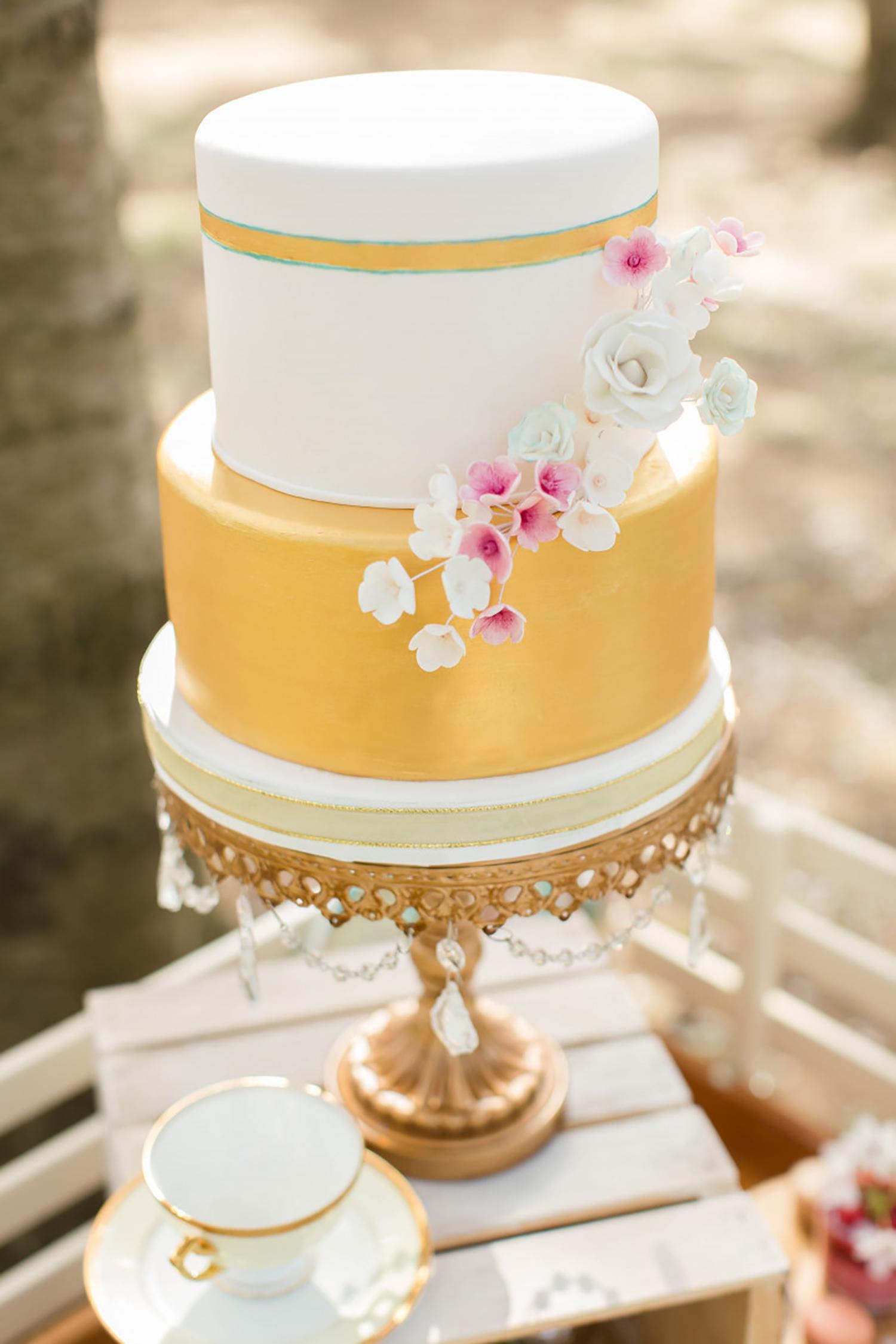 wedding cake opulent treasures gold cake stand_HiRES.jpg