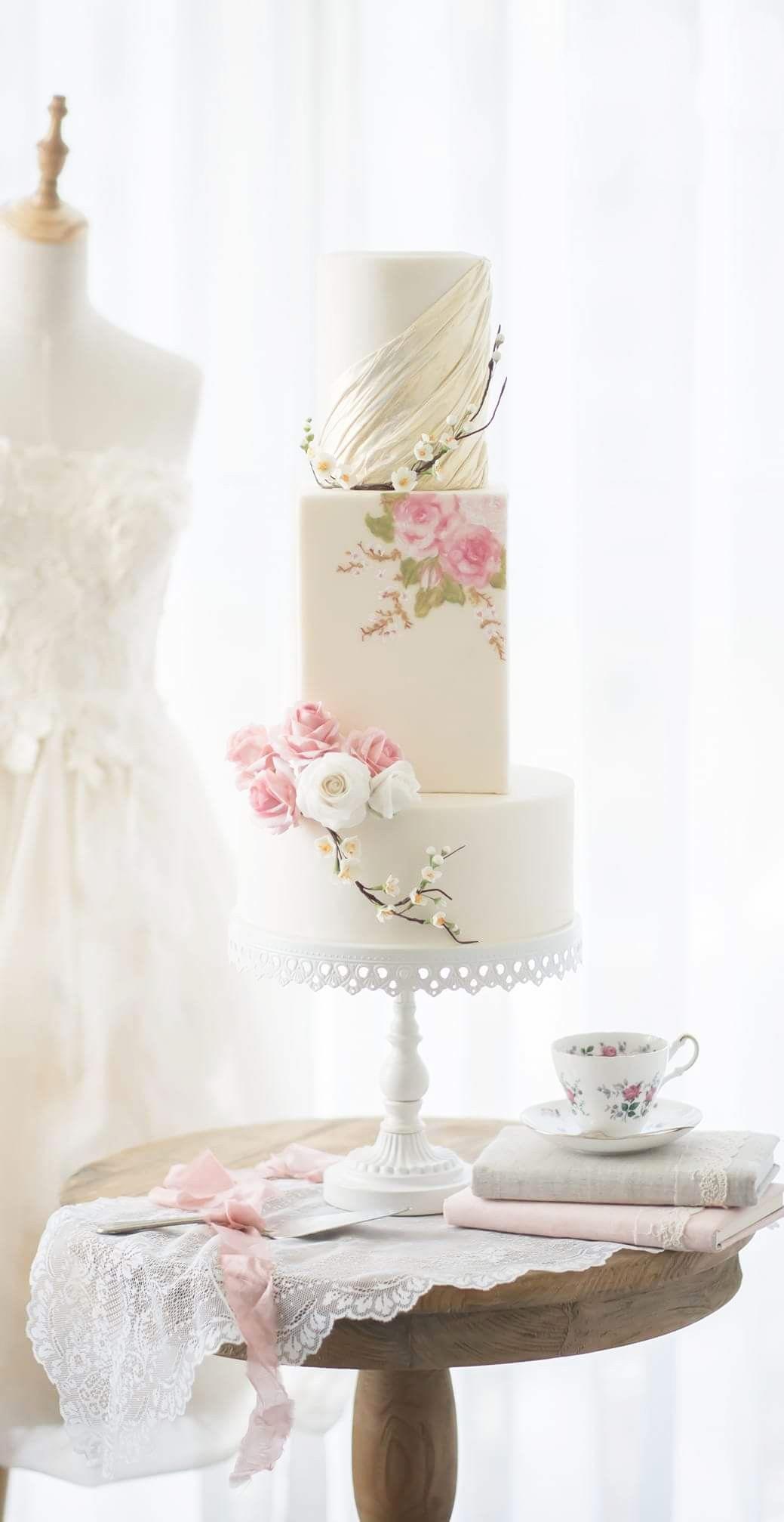 cake: Reema Siraj Studio