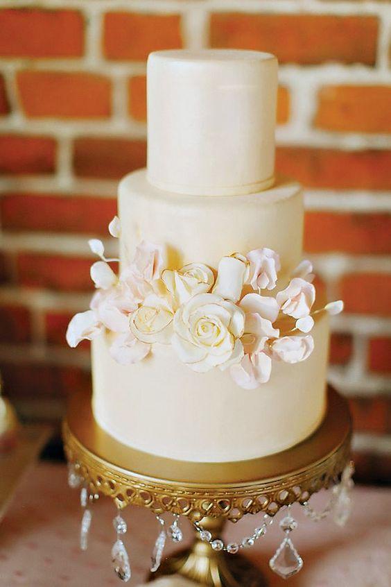 cake:  Sweet Style CA photo: Caroline Winata of  Milou And Olin Photography