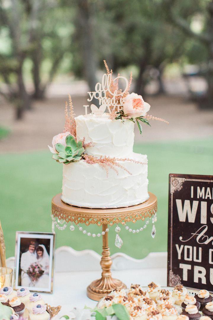 Cake:  Enjoy Cupcakes Photo: Koman Photography