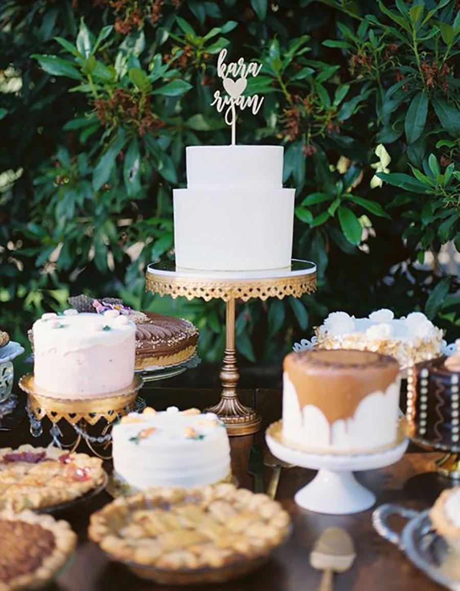 simple elegant wedding cake.jpg