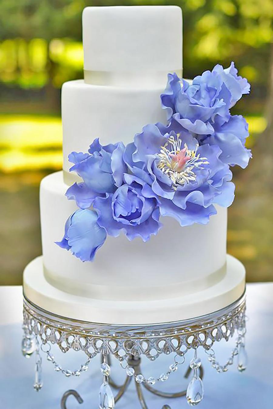 but a dream cakes opulnet treasures cakestand.jpg