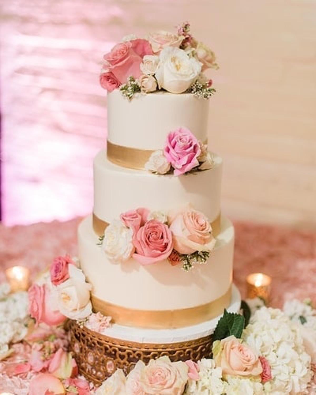 wedding cake moroccan jeweled gold cake stand.jpg