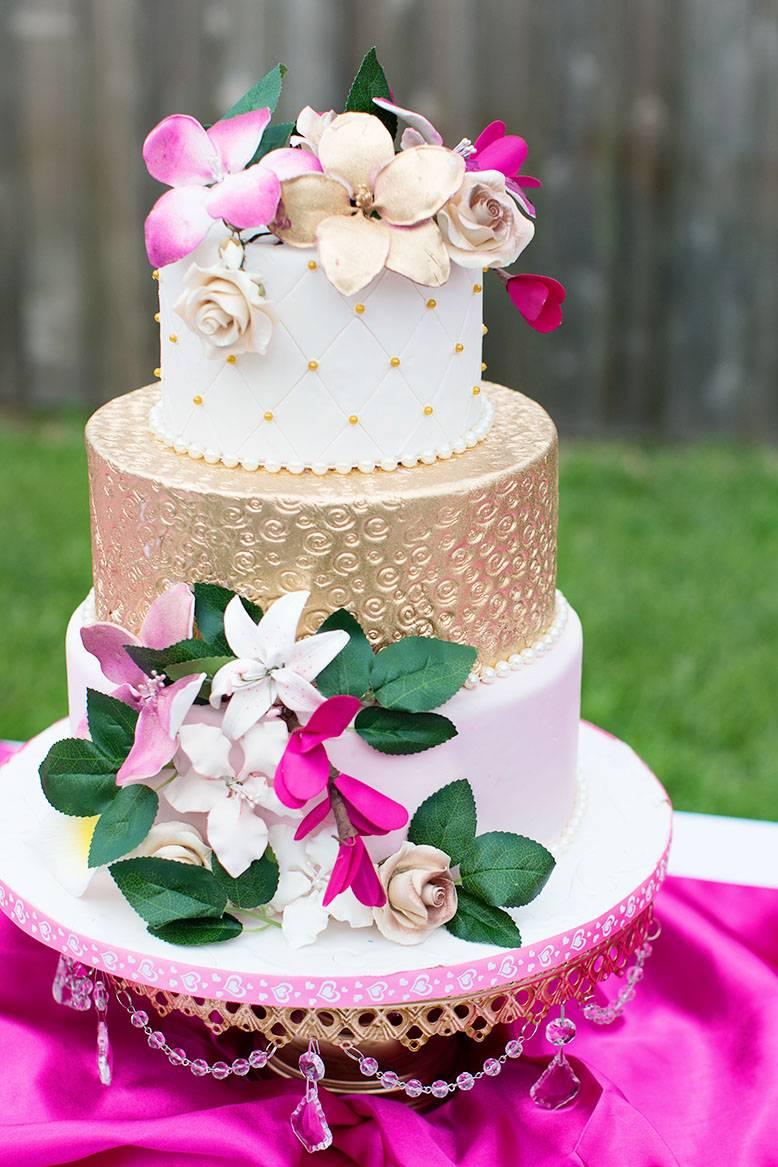 cake by cake Dreams Bakery Opulent Treasures Cake Stand.jpg