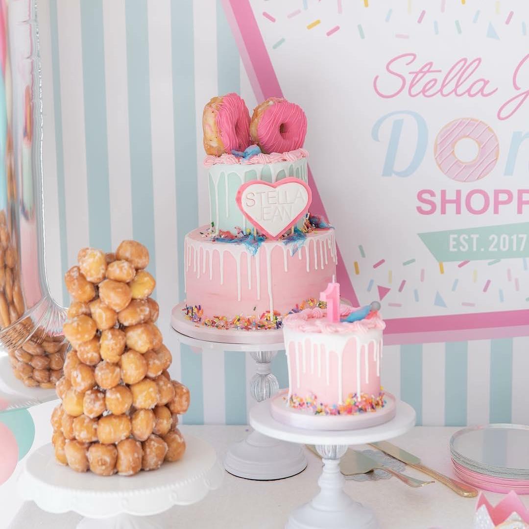opulent treasures white cake stands sweetsforsirten .jpg