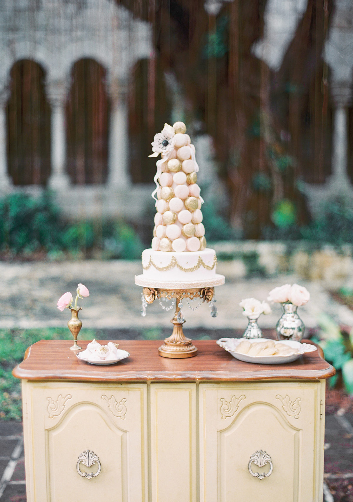 cake  Sugar Fancies  • photo  Michelle March  • cake stand  Opulent Treasures