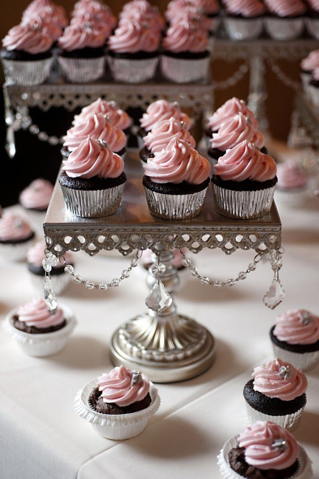 811242_chandelier-dessert-stands-created-by-opu.jpg