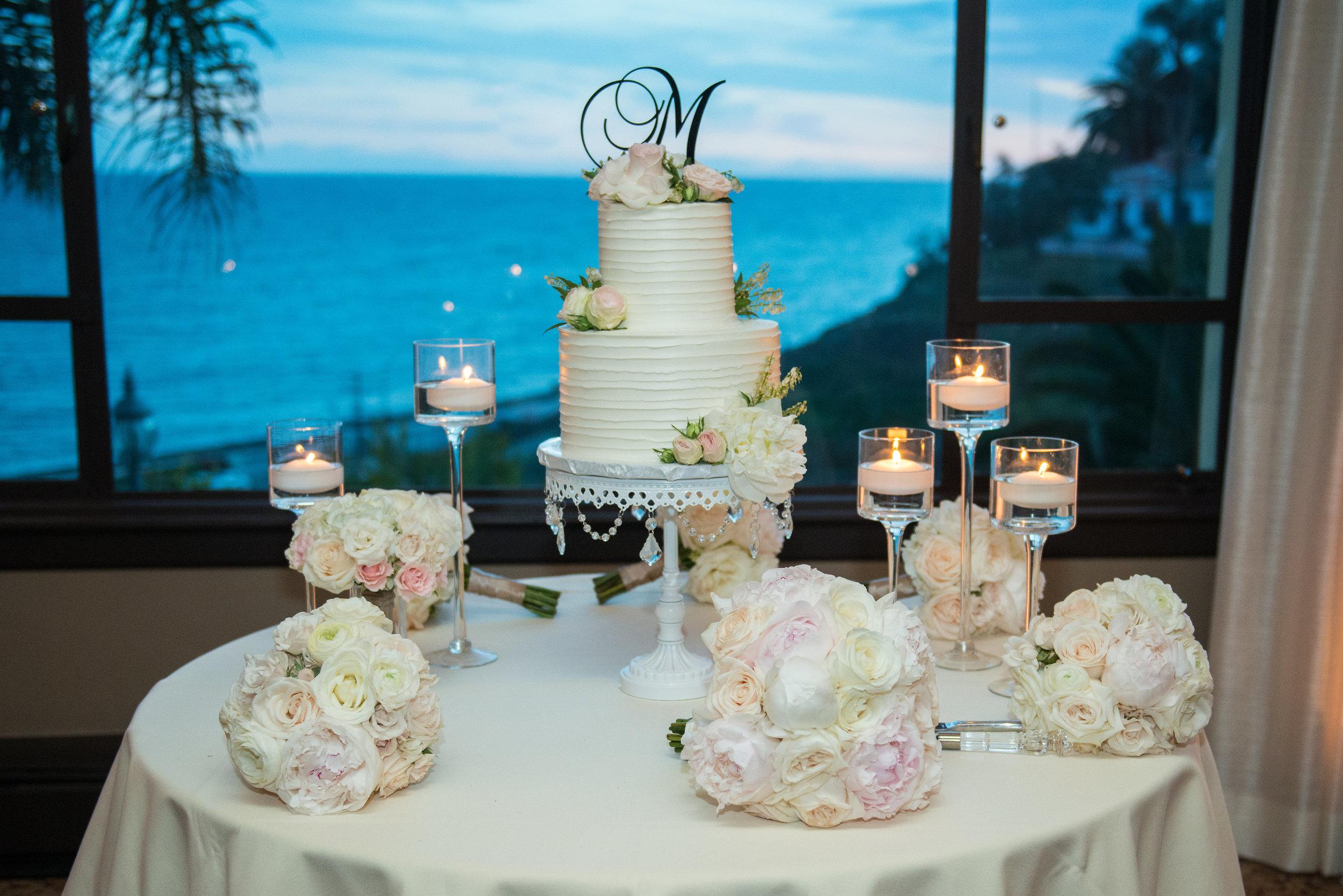 wedding cake table ocean views.jpg