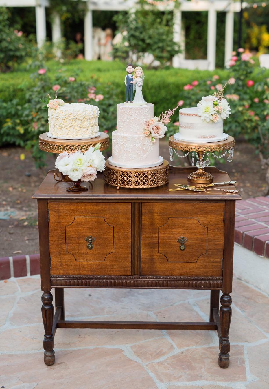 vintage desk for wedding cake table