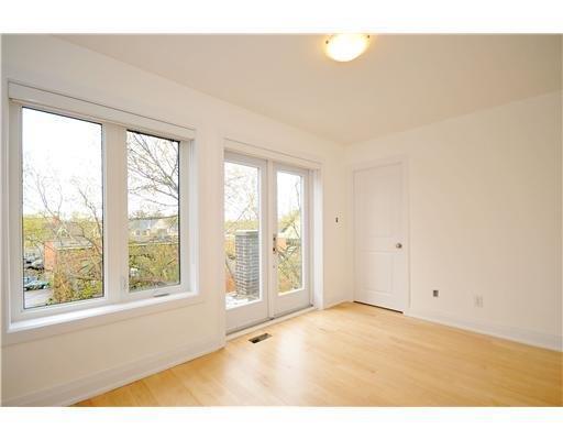 third101bedroom.jpg