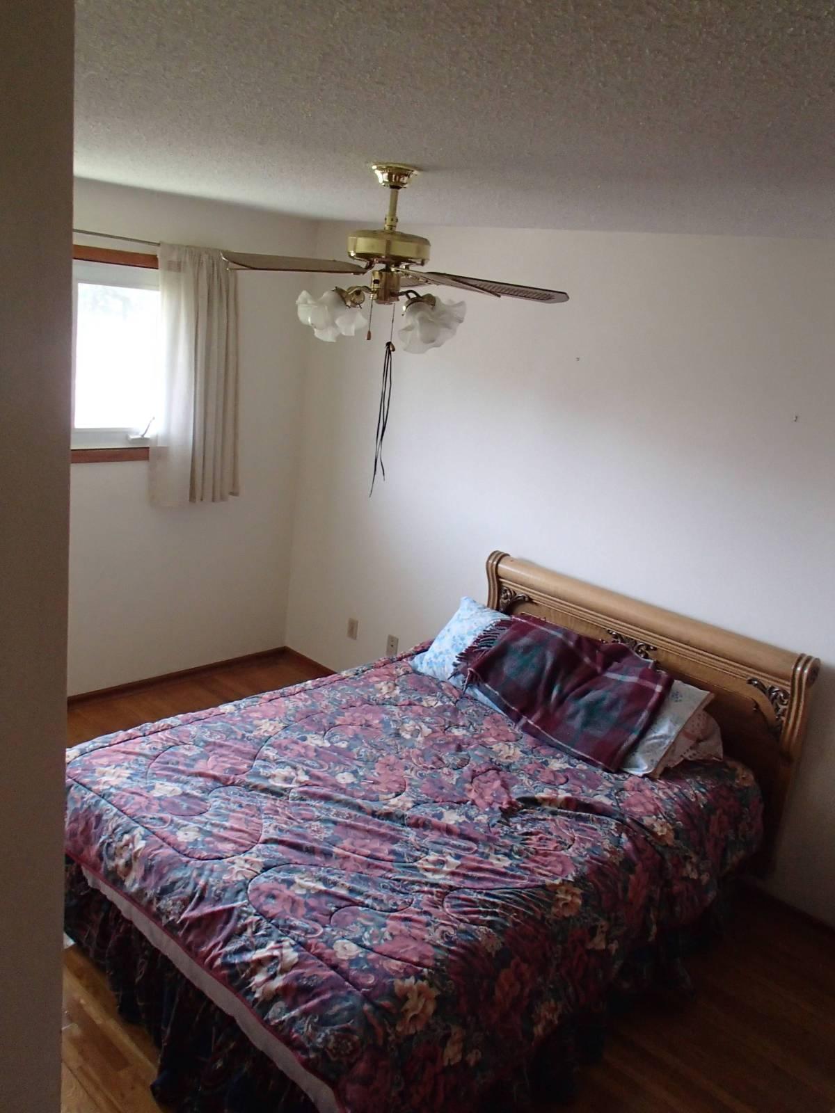 upstairs bed 2.jpg