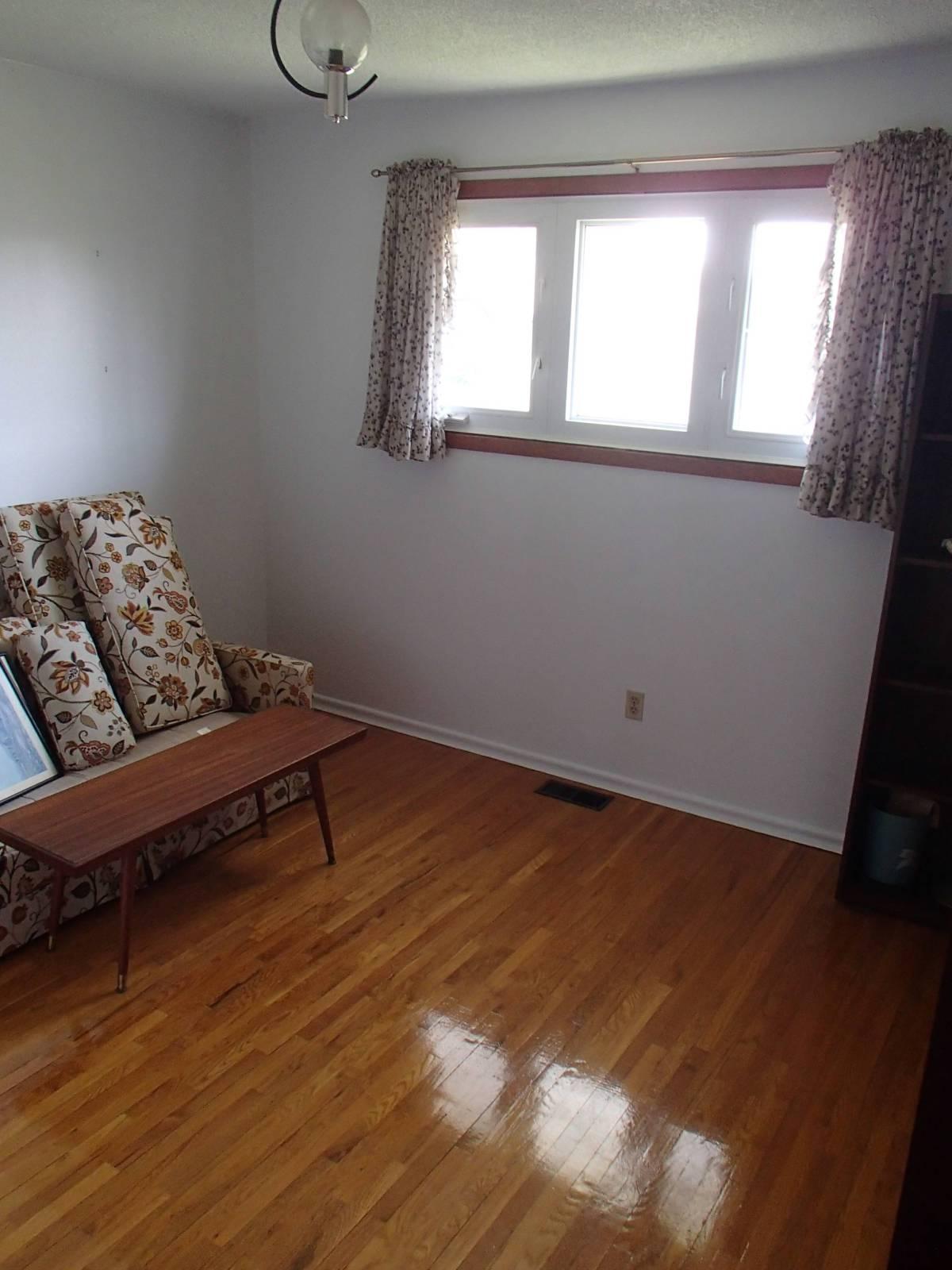 upstairs bed 3.jpg