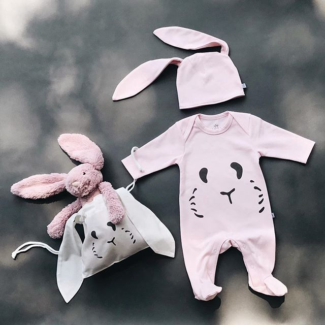 Heading off for a weekend city break? Pick one of our hoppy bunny sets for your little bean 👶 packaged with love 💞 and ready to go available on our website! Have a hoppy weekend every-bunny! 🐰💗