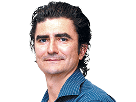 STEPHEN ROMEI  / Literary Editor / Sydney /  @PairRaggedClaws