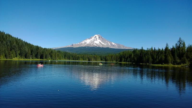 trillium-lake.jpg