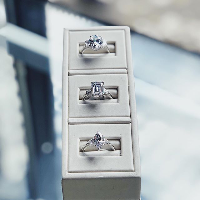 3-stone fancy shaped diamonds make a timeless and classic look👏👏👏 #custom #bespoke #whitegold #diamondring #portland #oregon #brickandmortar #oneofakind #ringsoninstagram #weddingrings #weddinginspo #putaringonit #showmeyourring #diamonds #pretty