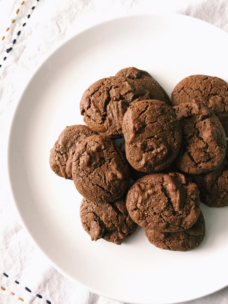 CHEWY TEFF GINGER MOLASSES COOKIES (GF)