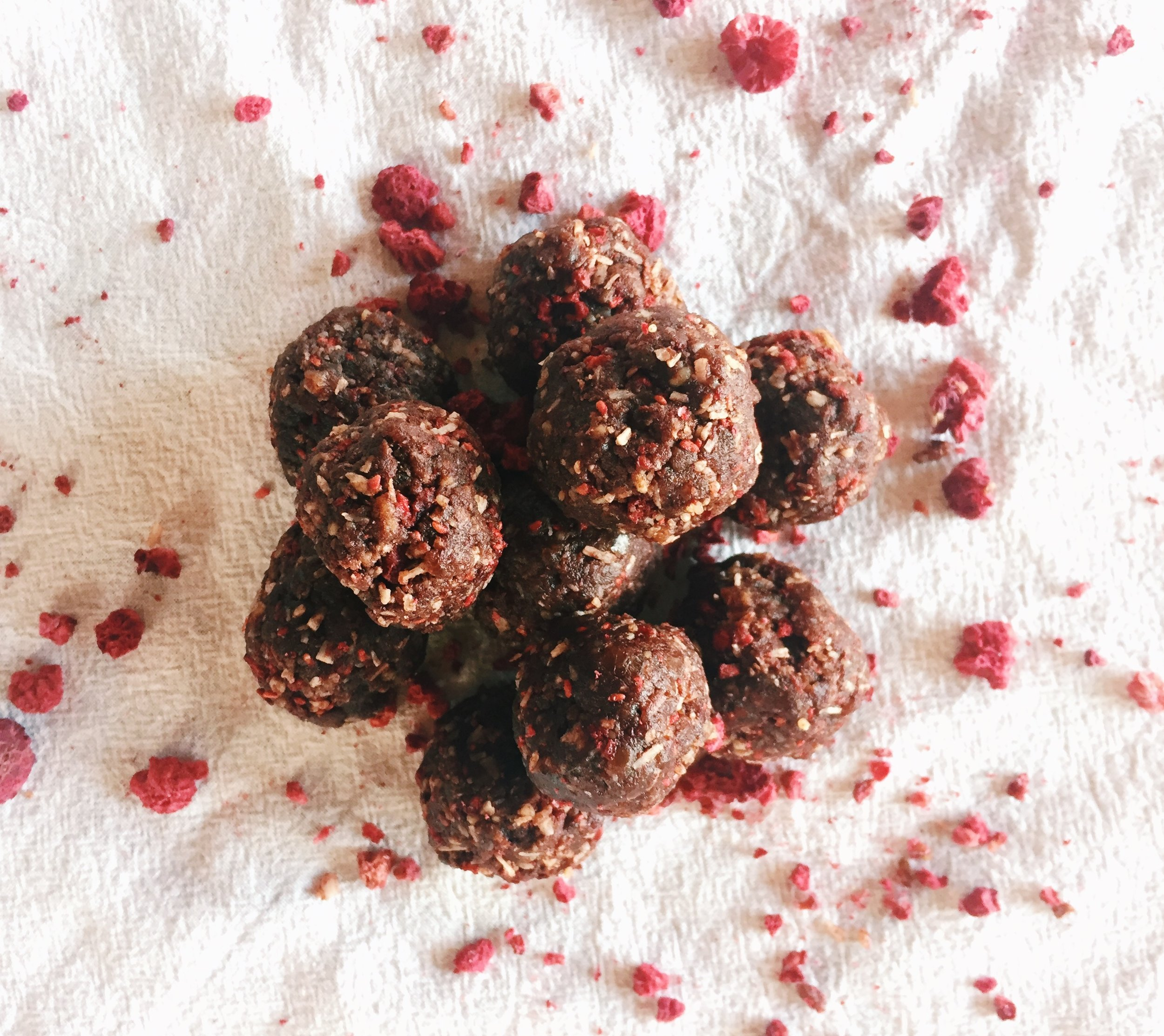CHOCOLATE COVERED STRAWBERRY ENERGY BALLS