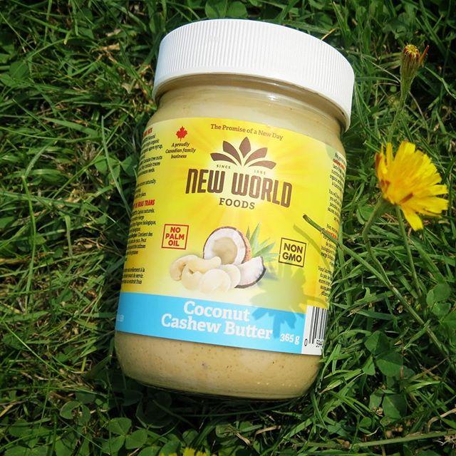 In harmony with the world 🌅 . . . . . . . #natural #organic #organiclife #newworld #newday #breakfast #veganlife #veganeats #cleaneating #cleanliving #vegan #cashews #cashewbutter #madeincanada