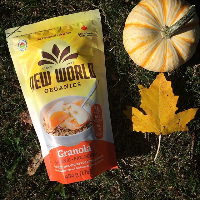 Pumpkin season is upon us and though we don't have many of them in the garden this year, many of our goods boast a load of pumpkin seeds to make you healthier and happy. Here's an idea for a post- thanksgiving breakfast! #thanksgiving #granola #vegan #veganeats #pumpkinspice #pumpkin #pumpkinseeds #pumpkinseason #healthyfood #healthyhabits #organic #madeincanada #happythankgiving #thankfulthursday