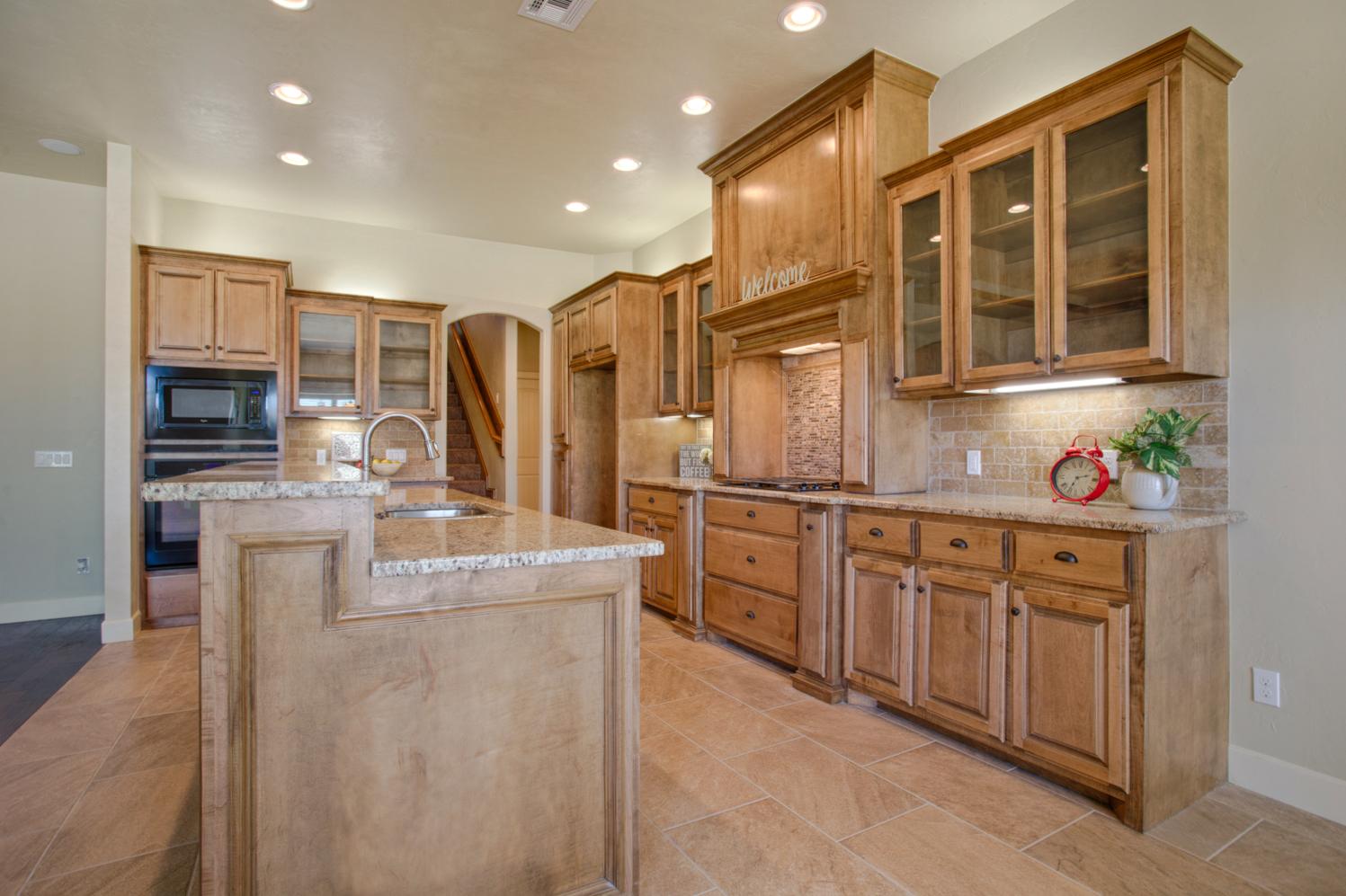 Daybright Kitchen 2.jpg