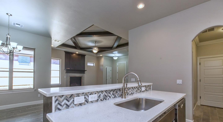 7125 kitchen4.jpg